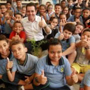 Prefeitura de Santo André começa a entregar kits de material escolar