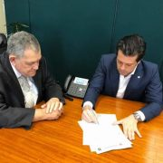 Após 8 mandatos pelo PTB, Arnaldo Faria de Sá migra para o PP