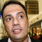 Gilmar Mendes manda soltar Atila Jacomussi