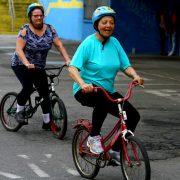 Aula de bicicletas para idosos faz sucesso em Mauá