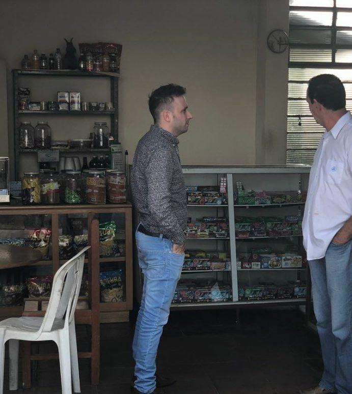 Vereador Fernando Rubinelli visita Jardim Zaíra para mapear as demandas do bairro
