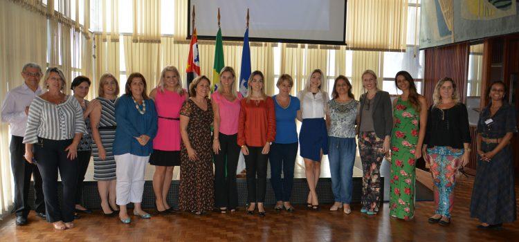 Primeiras-Damas se reúnem com Governo do Estado para conhecer capacitação de cursos
