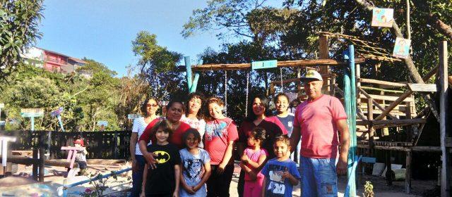 Moradores do Jd. Mirante criam parque para as crianças com dinheiro da comunidade