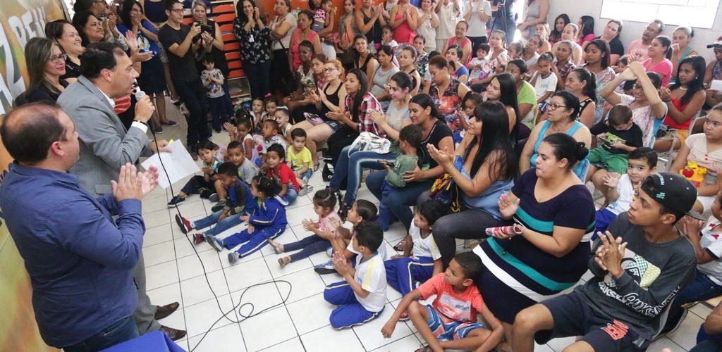 Prefeitura de Mauá entrega kit pedagógico que incentiva leitura