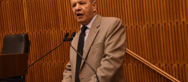 Sardano volta ao parlamento de Santo André