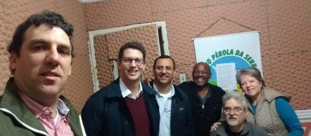 Candidatos do partido Novo participam de entrevista na Rádio Pérola da Serra