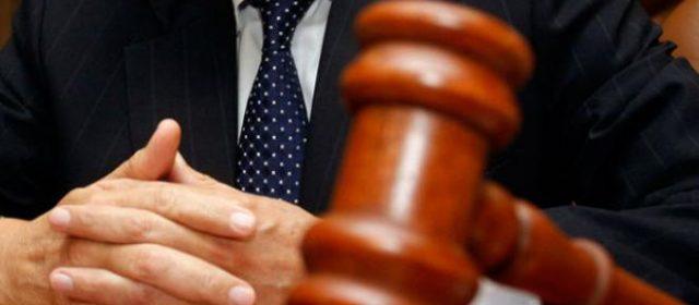 O povo aplaude juízes enquanto suas ações caducam no judiciário