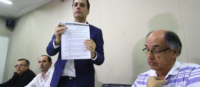 'A Taxa do Lixo foi criada pela irresponsabilidade do passado', afirma Atila em coletiva