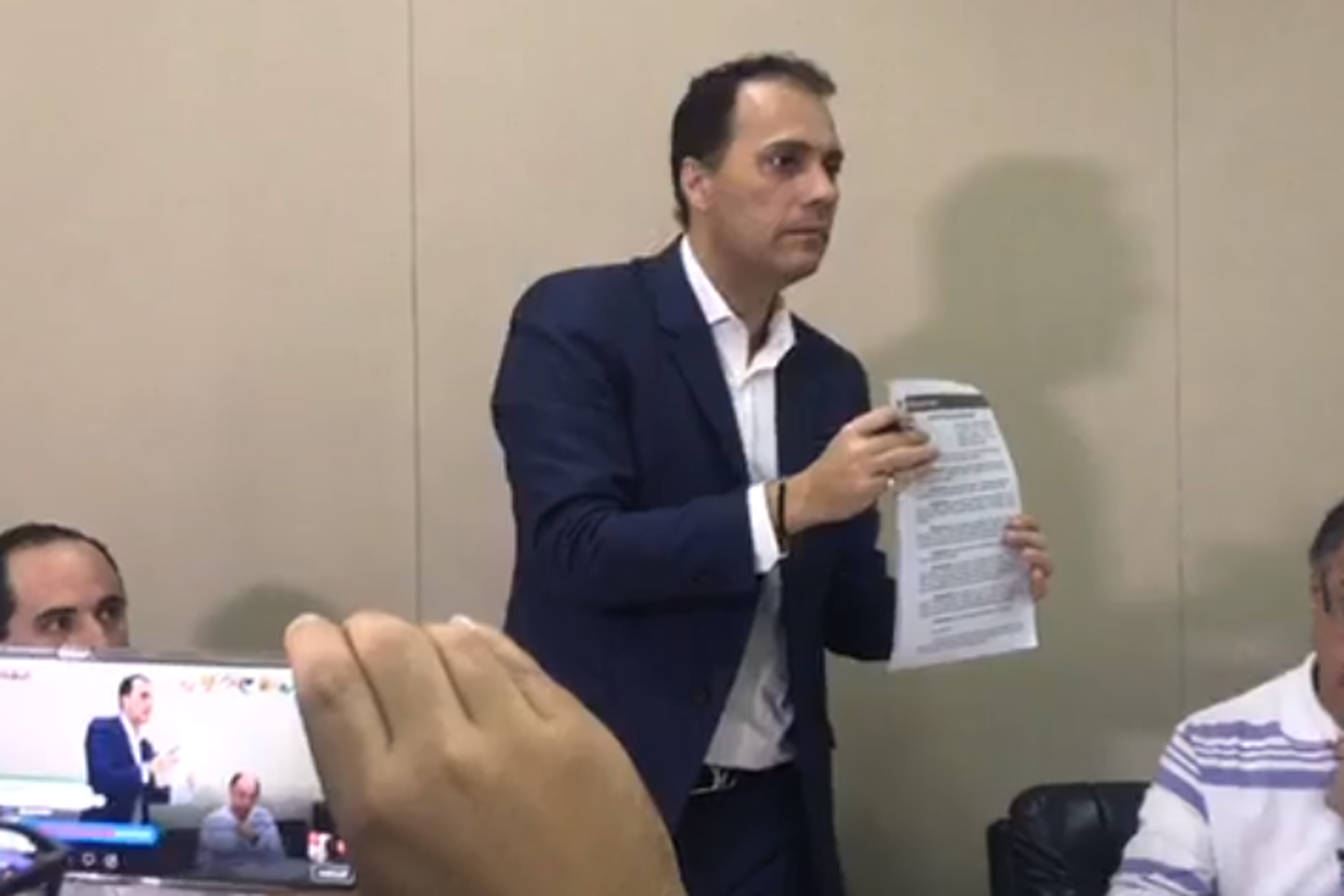PF prende Atila e faz buscas em 22 gabinetes de vereadores
