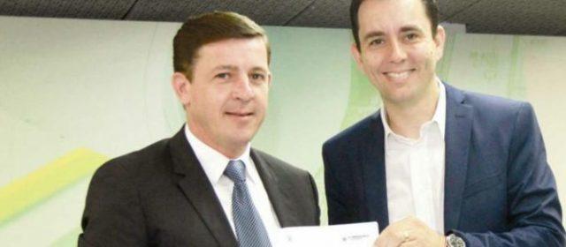 Sem necessidade, Paulo Serra e Morando se antecipam e dão cheque em branco a Bolsonaro